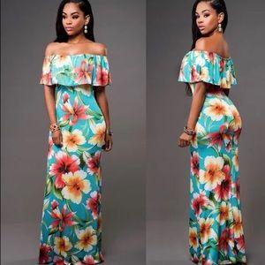 Dresses & Skirts - Tropical floral dress